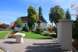 Kirche und Friehof